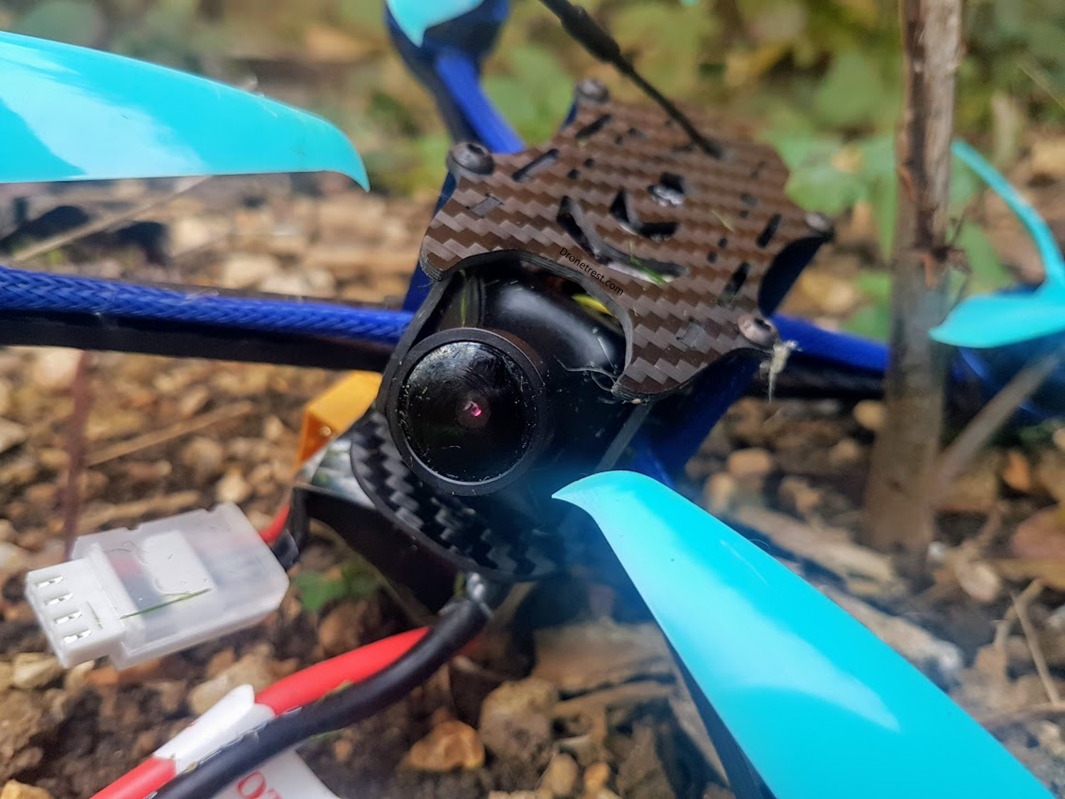 BFlight 210 FPV Quadcopter Review – Light On Your Wallet 💰